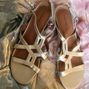 Natural Soul Mettalic Gold Wedges. 9 Like New